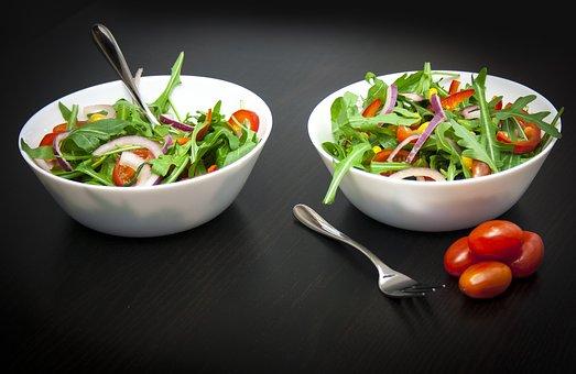 Flavie Dode Naturopathie Réflexologies Bien-être Alimentation Nutrition Diététique Santé Salade Roquette Tomate Poivrons Oignons