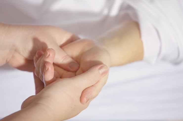 Flavie Dode Naturopathie Réflexologies Bien-être Réflexologie palmaire mains