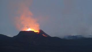 Flavie Dode Naturopathie Réflexologies Bien-être Connexion Nature Volcan La Fournaise Ile de La Réunion