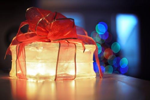 cadeau_pexels-photo-383604