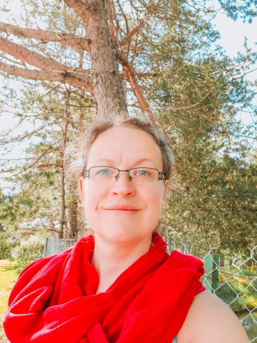 Flavie Dode Naturopathie Réflexologies Bien-être photo autoportrait extérieur LightRoom Thérapeute énergie douce